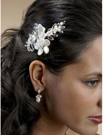 Crystal Bridal Comb with Freshwater Spray