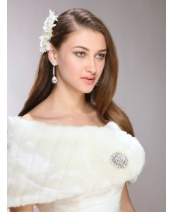 White Pelted Faux Fur Bridal or Bridesmaid Vintage Wedding Wrap